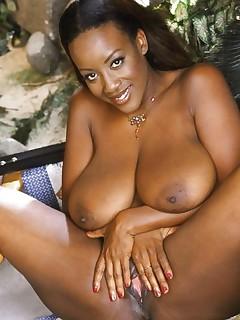 Black MILF Pussy Pics